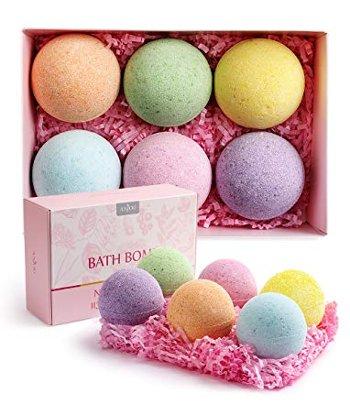 Relaxing bath bombs